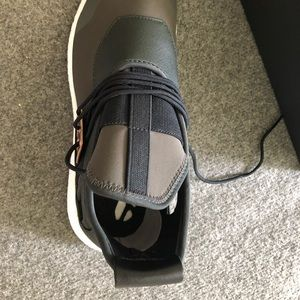 2ebdfee16 Y-3 Shoes - Y3 size 10 sneaker brand new in box